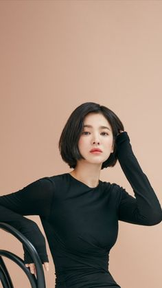 Pin on song hye kyo Pin on song hye kyo Girl Short Hair, Short Hair Cuts, Shot Hair Styles, Long Hair Styles, Korean Beauty, Asian Beauty, Song Hye Kyo Style, Short Fille, Korean Short Hair