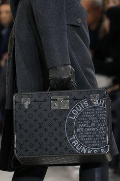 Louis Vuitton Fall 2016 Menswear Accessories Photos - Vogue