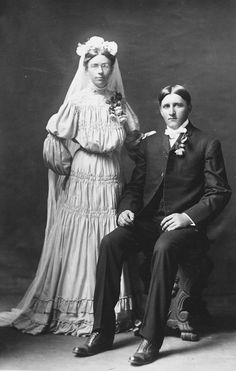 1905 Newlyweds Junction City, Kansas Photo by Joseph Judd Pennell Vintage Wedding Photography, Vintage Wedding Photos, Wedding Dresses Photos, Vintage Bridal, Wedding Pics, Vintage Weddings, Wedding Couples, Wedding Gowns, Vintage Photos Women