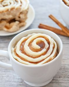 Cinnamon Roll One-Cup Cake (1-Minute Recipe) - Your Food Tube
