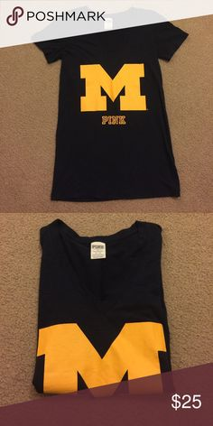 Dark navy blue Michigan Pink V-neck tee Perfect condition V-neck Pink Tee PINK Victoria's Secret Tops Tees - Short Sleeve