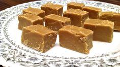 Sucre à la Crème Minutes de Cuisson) / How to Quickly Make Caramel Fudge Mousse Dessert, Bon Dessert, Fudge Recipes, My Recipes, Favorite Recipes, Recipies, Brown Sugar Fudge, Cream And Fudge, Microwave Fudge