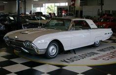 1962 Ford Thunderbird:
