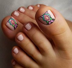 Di sí a la pedicura con nail art - In The Glow Simple Toe Nails, Pretty Toe Nails, Summer Toe Nails, Love Nails, Toenail Art Designs, Pedicure Designs, Pedicure Nail Art, Toe Nail Art, Painted Toe Nails