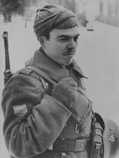 Spanish volunteer of the Blue Division during the winter 1941-42 near Moscow. The Blue Division was officially designated as División Española de Voluntarios by the Spanish Army and 250.Infanterie-Division in the German army