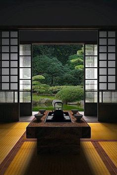 How To Add Japanese Style To Your Home Japanese room, Washitsu 和室 clean lines, simplicity and symmetrical balance Japanese Interior Design, Japanese Design, Asian Interior, Interior Garden, Contemporary Interior, Room Interior, Interior Ideas, Symmetrical Balance, Washitsu