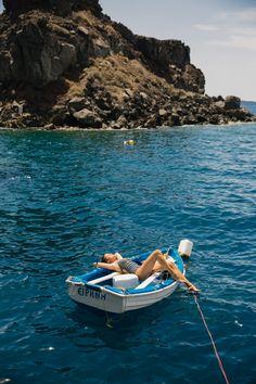 Swimming Amoudi Bay Santorini-24