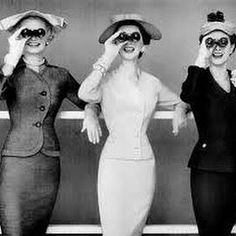 """""""🎉🎉🎉Oh Look! Buy Yourself Something Sweet, Hug A Fellow Lady, Eat That Cupcake! Celebrate Ladies~ It's Our Day! Retro Mode, Vintage Mode, Moda Vintage, Vintage Ladies, Vintage Style, Vintage Hats, Unique Vintage, Vintage Black, Glamour Vintage"""