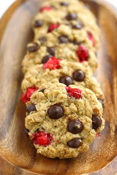 Chocolate Chip Oatmeal Cookies with Fresh Cranberries | Community Post: 18 Insanely Delicious Vegan Christmas Cookies Santa Would Approve Of