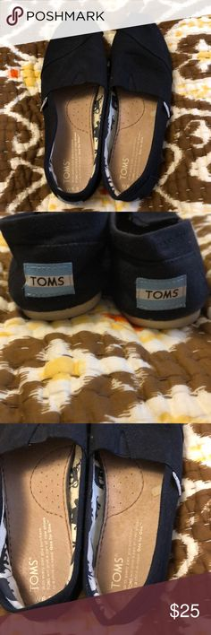 Tom's Black Shoes women's  size 6.5 Tom's Black Shoes women's  size 6.5. These were my moms - barely worn see photos of inside. Black canvas is in great condition. Toms Shoes