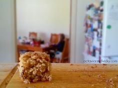 Finding My Style: Fitting In To My Pants {Peanut Butter Choc Chip Chia Slice}