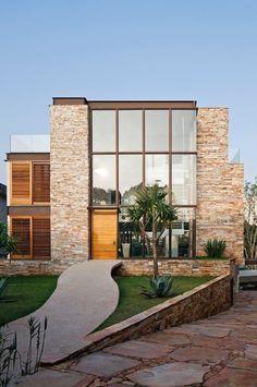 A arquitetura de Monica Drucker para a casa AM,São Paulo,