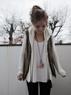 Feather necklace, loose blouse, thick cardigan, vest on top..such cute layering!