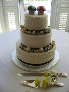 13 Nerdy Wedding Cakes for the Most Epic Reception Ever Beautiful Cakes, Amazing Cakes, Mushroom Cake, Super Mario Cake, Beach Wedding Colors, Themed Wedding Cakes, Engagement Cakes, Pastel, Occasion Cakes