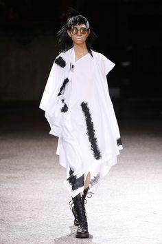 Yohji Yamamoto   Ready-to-Wear Spring 2017   Look 15