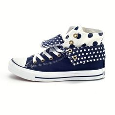 converse - everlasting fashion Jeans And Converse, Blue Jeans, All Star, Baskets, Shoe Game, Lightning, Jewlery, Trainers, High Top Sneakers