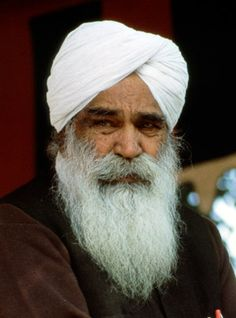 Sant Kirpal Singh Ji Maharaj: Disciple of Sawan Singh with a world mission. Ganesh Kumar, Radha Soami, Jaguar Models, Spiritual People, Thing 1, Ideal Man, The Twenties, Worship, Meditation