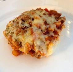 En enkel, barnevennlig og ovnsbakt middag:         Sett ovnen på 200 grader.     Til bunnen trenger du:   1 blomkål   100 g philadelphiaost...