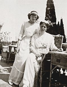 NEW : Tatiana Nikolaevna and Alexandra Feodorovna (Crimea, 1914)