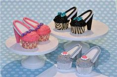 High heel cupcakes, use dark/milk/white chocolate for colors instead of food coloring High Heel Cupcakes, Shoe Cupcakes, Yummy Cupcakes, Cupcake Cookies, Mini Cupcakes, Wedding Cupcakes, Yummy Treats, Sweet Treats, Fancy Shoes