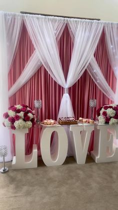 Red And White Wedding Decorations, Wedding Hall Decorations, Red And White Weddings, Wedding Reception Backdrop, Diy Birthday Decorations, Backdrop Decorations, Bridal Shower Decorations, Birthday Backdrop, Gold Backdrop