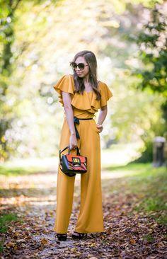 #autumn #autumnfashion #fashion #style #fashionstyle #jumpsuit #jumpsuitoutfit #mustard #moutarde #colorful #combipantalon #chic #classy #blogger #blogparis #parisblogger #glamorous