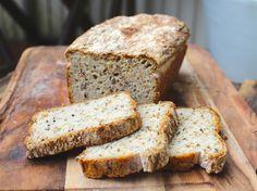 Ett gott, saftigt och lättbakat naturligt glutenfritt vardagsbröd. GI-smart fullkornsbröd är enklare att få till än man kanske tror. Det finns numera många sorters glutenfria fullkornsmjöler att v…