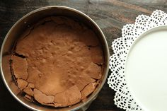 Sjokoladekake med lemoncurd og hvit sjokoladekrem (glutenfri) - krem.no Tiramisu, Pie, Ethnic Recipes, Desserts, Food, Torte, Tailgate Desserts, Cake, Deserts