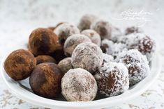 Rumové kuličky. Nejlepší recept na rumové kuličky s kokosem. Jednoduchý recept na výborné nepečené cukroví. Nepečené kuličky s kokosem, kakaem či skořicí. Sugar, Baking, Cookies, Recipes, Wedding, Crack Crackers, Valentines Day Weddings, Bakken, Biscuits