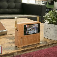 Radio Dock  for iphone #wood