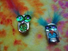 soda can tab OWLS! can tab crafts Soda Tab Crafts, Can Tab Crafts, Hat Crafts, Bottle Cap Crafts, Flower Crafts, Girl Scout Swap, Girl Scout Troop, Girl Scouts, Pop Top Crafts