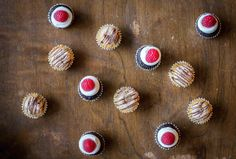 You don't have to decide between dessert and drinks with these two #cupcake #recipes that bring you the best of both. Click for the full #recipes from Prohibition Bakery in NYC!