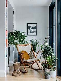 5 Features That Make Adrian Grenier's Brooklyn Brownstone Renovation Sustainable Plywood Boxes, Home Still, Classical Elements, Brooklyn Brownstone, Living In New York, Home Renovation, Decoration, Old Houses, Furniture