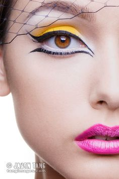 Beautiful and Creative Eyeliner designs is a collection of fashion photography that showcases some very innovative designs in Eyeliner make up to inspire. Eye Makeup, Kiss Makeup, Makeup Art, Hair Makeup, Eyeliner Designs, Maquillaje Halloween, Halloween Face Makeup, Real Techniques Brushes, Jolie Photo