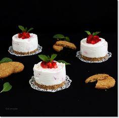 Gizi-receptjei.  Várok mindenkit.: Epres citromkrémes tortácska.