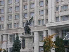 Statuia Pompierilor București Bald Eagle, Statue Of Liberty, Travel, Animals, Military, Statue Of Liberty Facts, Viajes, Animales, Animaux