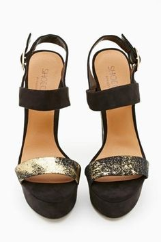 Shoe Cult Dusted Platform in Gold