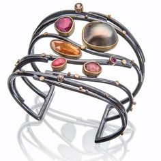 Another gorgeous cuff by Sydney Lynch. Aptly called the sunset cuff, Lynch captures the true essence of sunset colours through great gem selection. I love her work as she finds the balance for me, the work is strong and bold no fuss or excess, yet she still manages to craft elements of femininity into her pieces. @lynchjewelry #adornment #bangle #cuff #jewellery #jewelry #beauty #gems #pearls #silver #handcrafted #inspiration #schmuck #design #bijoux #joyeria #contemporaryjewellery