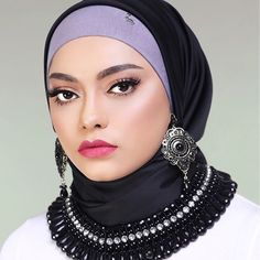 Ok guys last editorial shot by @annaseaskey for @mumuscarves and @anasism I really love the way they style thier snow caps as accessories for the hijab rather than just wearing underneath to hold your hijab in place ❤️ thank you @intankaharuddin for the make over  .  .  .  #mua #vegas_nay #makeup #wakeupandmakeup #beauty #mumudolls #hijab