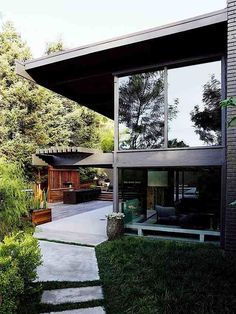 1960s Buff & Hensman house (architects of Case Study House #20) in LA