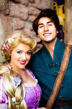 Rapunzel and Flynn rider Disney Cast, Old Disney, Disney Tangled, Disney Love, Disney Magic, Disney Stuff, Rapunzel Story, Rapunzel And Eugene, Walt Disney World