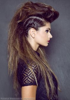 ( link) Repost Edgy style by Marine Mua. id love if i could do this to my own hair! looks amazeballs 80s Hair, Edgy Hair, Rocker Hair, Imperator Furiosa, Teased Hair, Runway Hair, Editorial Hair, Mohawk Hairstyles, Costume Halloween