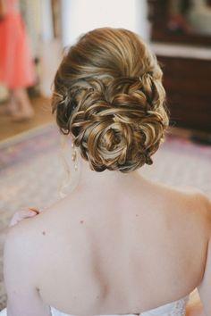 37 Preciosos Peinados Recogidos para Novias - Bodas