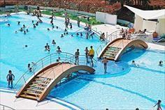 Lekker afkoelen in het zwembad van Camping Vestar