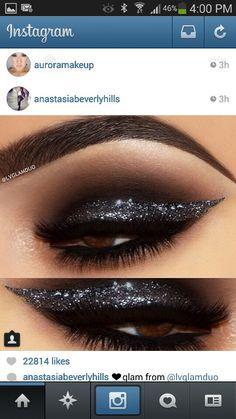 Glitter cat eyes
