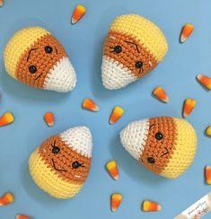 Amigurumi Candy Corn - A Free Crochet Pattern - Grace and Yarn Thanksgiving Crochet, Crochet Fall, Holiday Crochet, Crochet Gratis, Free Crochet, Crochet Bear, Yarn Projects, Crochet Projects, Crochet Craft Fair