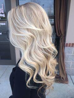 Blonde Hair Shades, Blonde Hair Looks, Platinum Blonde Hair, Ashy Blonde, Sand Blonde Hair, Bright Blonde Hair, Rides Front, Gorgeous Hair, Beautiful