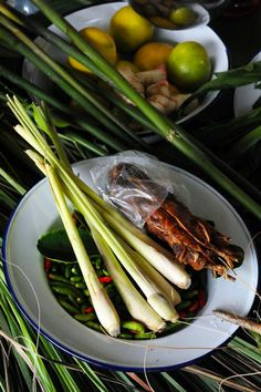 Thai shrimp soup (ingredients) - Recipe in English. Thai Shrimp Soup, Nigel Slater, English Food, Fish Recipes, Celery, Asparagus, Dorian Cuisine, Vegetables, Cream Soups