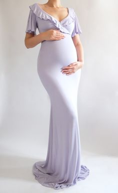 Gorgeous Maternity Dress with Ruffles! Trends in 2018, Maternity Outfit, Maternity Dress #maternityoutfit #maternitydress #babyshowerdress #maternityfashion #maternityphotoshoot