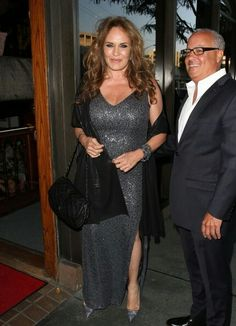 Catherine Bach is dating again & happy